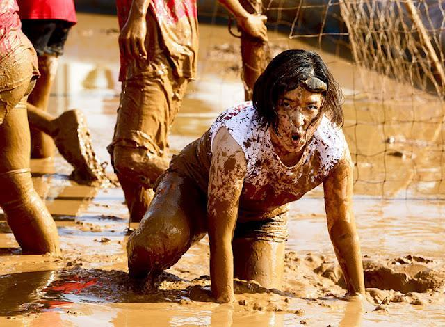Mud_soccer_09
