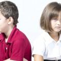baiat-fata-scoala