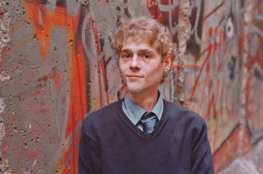 David, în anul 2000, la vârsta de 35 de ani. Și cu patru ani înainte de a se sinucide
