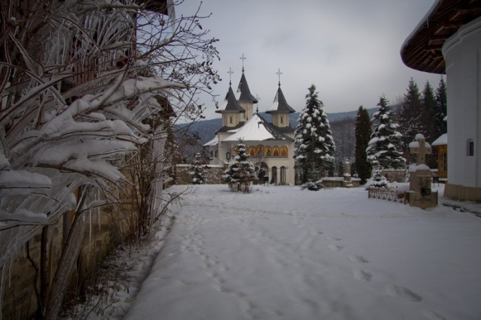 11-manastiri-neamt-in-timpul-iernii