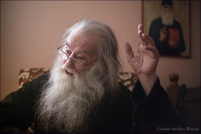 Parintele-Justin-Parvu-de-Sfantul-Vasile-cel-Mare-2012-foto-Cristina-Nichitus-Roncea