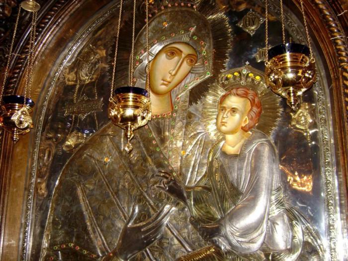 icoana_maicii_domnului_grabnic_ascultatoare_de_la_manastirea_lainici_2
