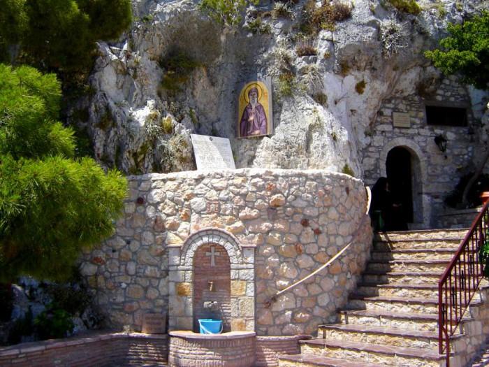 manastire_cuvios_patapie8