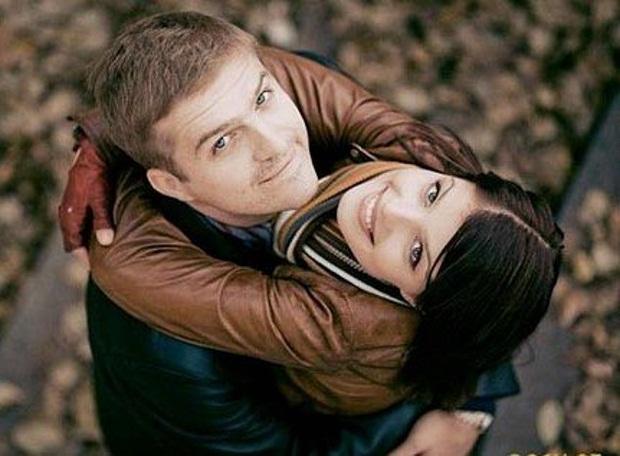 1384454501_happy-couple