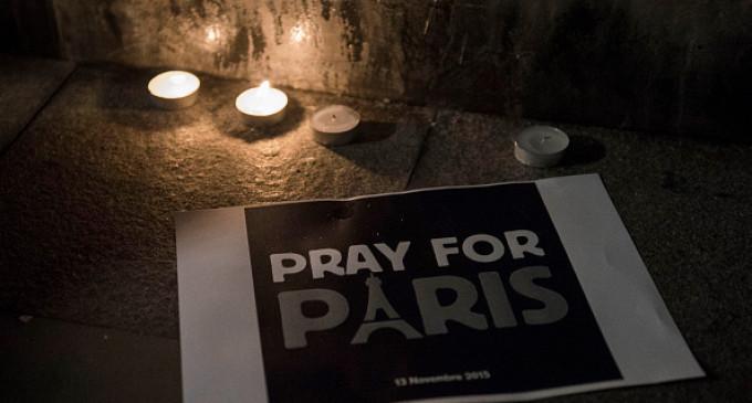 Memorial Held In Hong Kong For Victims Of Paris Terror Attacks