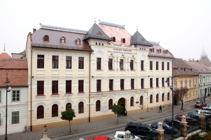 13-Facultatea_Teologie_Sibiu_w747_h373_q100