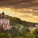Mănăstirea Curchi, în imagini rupte din poveste