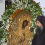 """O nouă minune a Maicii Domnului. O fetiță de 8 ani a început să vorbească în fața icoanei Maicii Domnului """"Grabnic ascultătoarea"""", adusă de la Mănăstirea Dochiariu în nordul Greciei"""