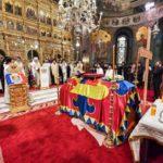 Părintele Patriarh Daniel a oficiat slujba de înmormântare a Regelui Mihai I al României
