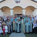 """Un chivot cu o părticică din cinstitele moaște ale Sf. Ierarh Nicolae au fost aduse pentru totdeauna la biserica """"Sf. Părinți Ioachim și Ana"""" din Sângera."""