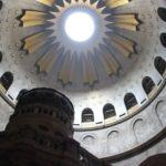 Lumina Sfântă de la Ierusalim va ajunge şi în acest an în ţara noastră, pentru a 17-a oară consecutiv
