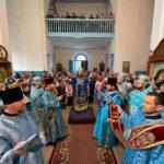 Sfânta Liturghie în cinstea Icoanei Maicii Domnului făcătoare de minuni de la Hîrbovăț